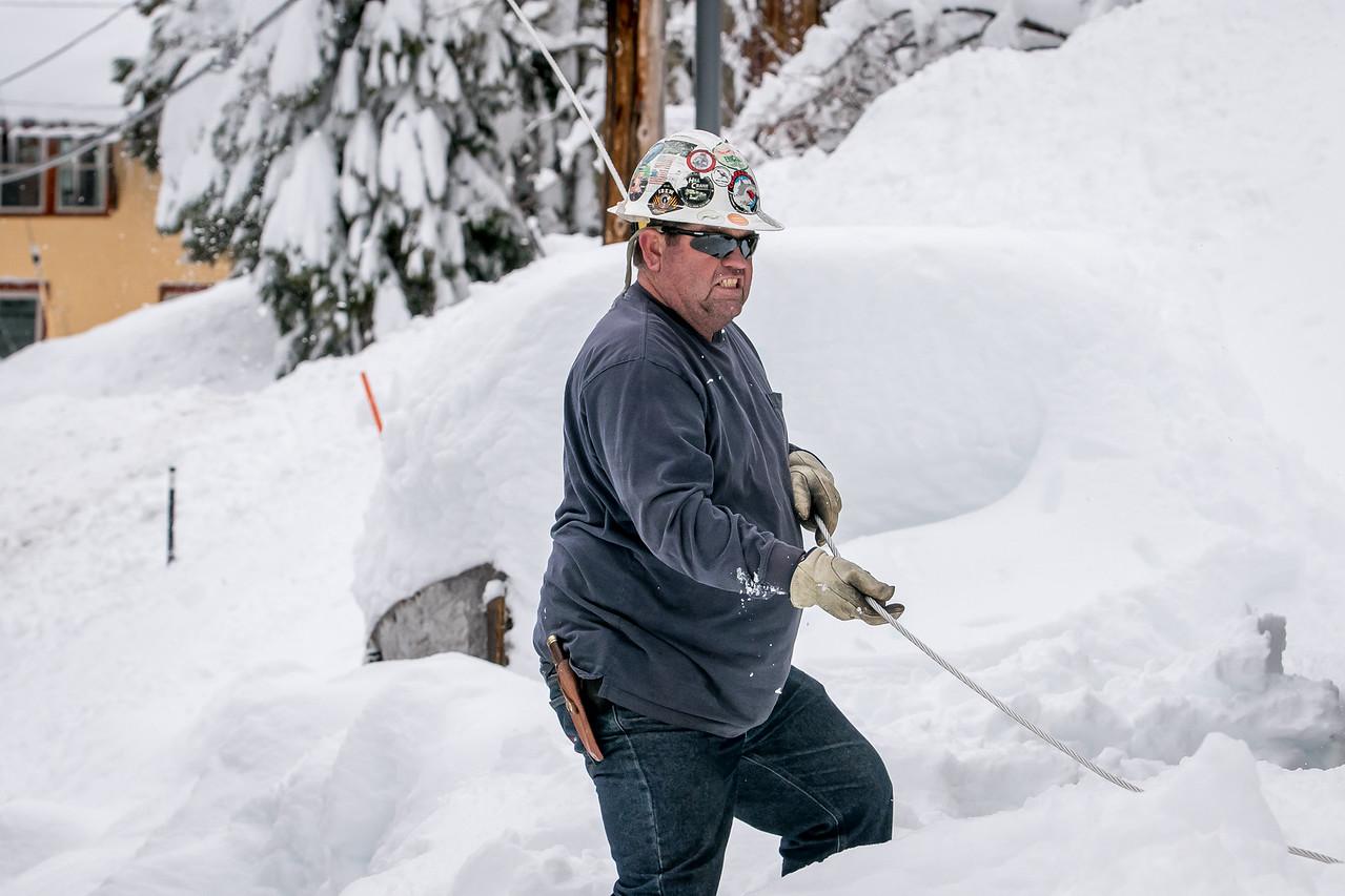 Line foreman Russ Nolen