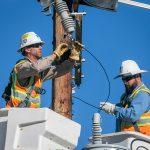 PG&E Line Crew Replaces Transformer in Atascadero